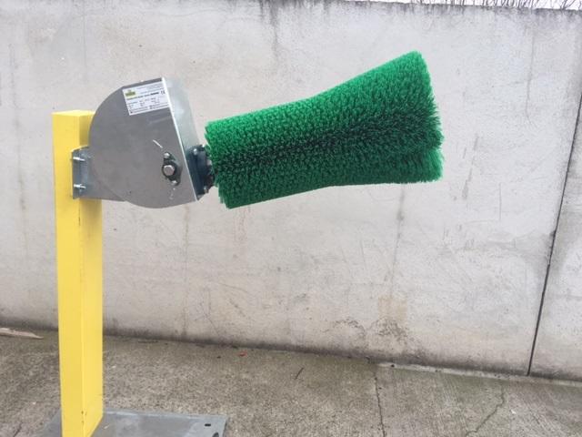 автоматическая щетка для крс зеленая
